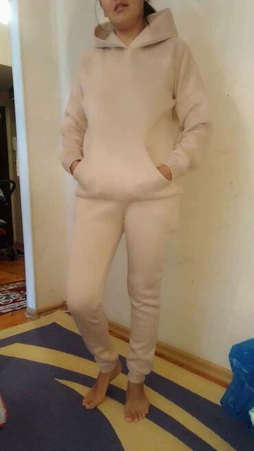tufli s kamushkami в Кыргызстан: Спортивные костюмы !Тёплые! Качество отличное . Турецкие . Беж. М