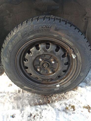 б у шины 185 65 r14 в Кыргызстан: Продаю железные диски с шинами R14 /разболтовка 4*114.3 .Шины 2 зима