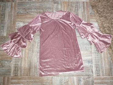 Nova bluza sa neobičnim rukavima Vel. S/M