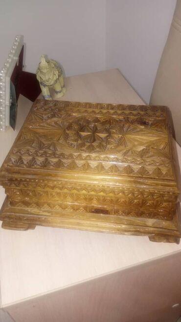 Шкатулки - Кыргызстан: Продается Деревянная шкатулка ручной работы. Материал - орех