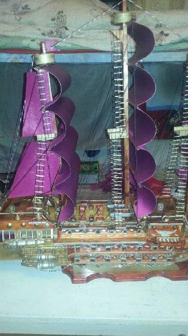 Модели кораблей - Бишкек: Корабль ручной работы с сейфами.размеры 1 ×1. новый дерево орех и