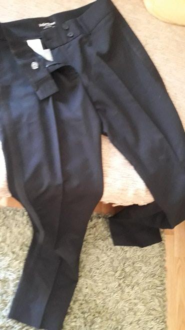Yves Saint Laurent ORIGINAL pantalone vel.38 .NOVE .Klasicne crne - Belgrade