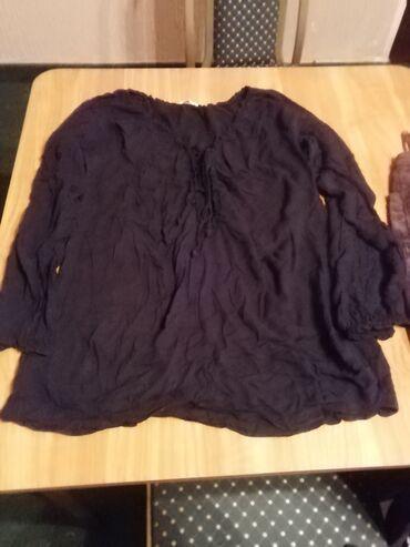 Bluzica crna prijatan materijal