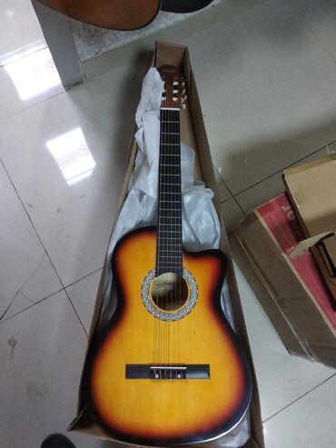Klassik Gitara peşəkar ölçüdəKeyfiyyətli materiallardan