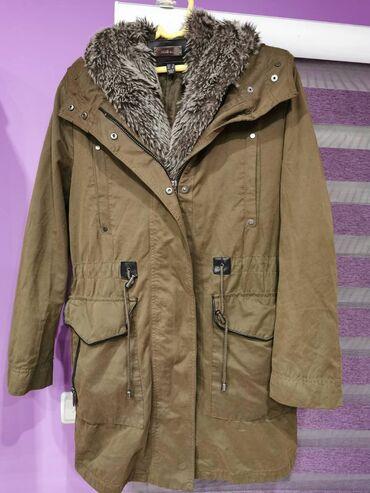 Ženska jakna svega 2 puta obučena kao nova. Krzno se skida
