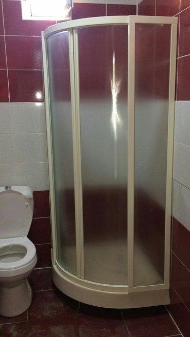 Bakı şəhərində Künc duş kabini. 9 əd qaldı. Kənarlari 80 sm  ortası 90 sm  ela- şəkil 2