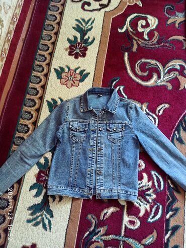 Детский мир - Александровка: Продаю джинсовую куртку новая. Цена 800 сом. 44-46 размер