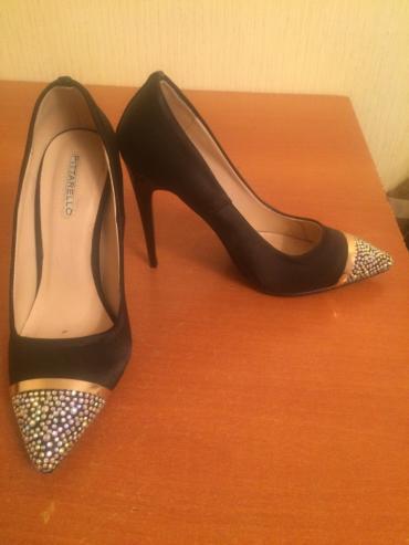 Очень красивые туфельки 36 го размера. в Бишкек