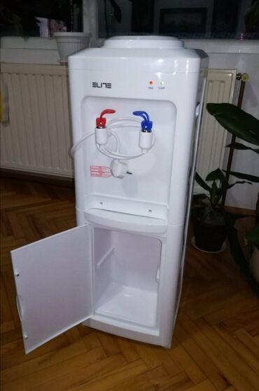 APARAT ZA VODUAparat za vodu ELITE!Topla i hladna voda Prostor za