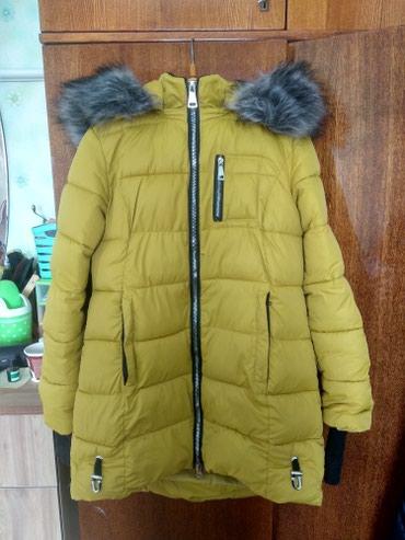 Куртка в отличном состоянии. носила 2 в Кара-Балта