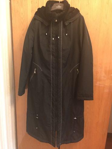 zhenskoe plate 52 в Кыргызстан: Пальто зимнее, носила мало, черное, размер xxl (52-54)  Капюшон отстег