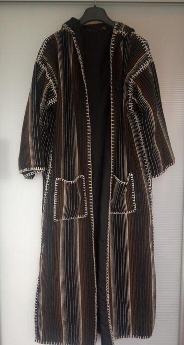 Dugački džemper/jakna, kvalitetan i prelep. Materijal vuna, postavljen