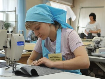 Срочно требуются швеи на трикотажные платья!!!  в Бишкек