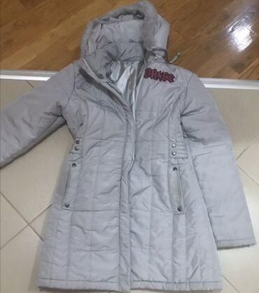 Nju jorkeru - Srbija: Siva jakna lagana a topla S velicina lepo stoji cena 1800 din i poklon