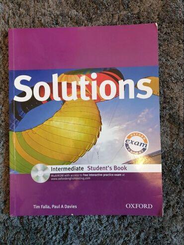 Knjige, časopisi, CD i DVD | Raca Kragujevacka: Solutions udzbenik za engleski