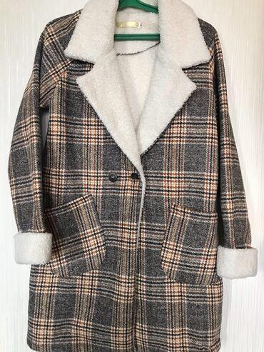 Женская одежда - Кыргызстан: Укорочённое демисезонное пальто. Новое,ни разу не носили(размер