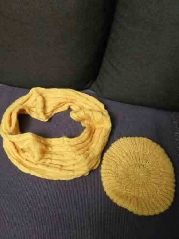 Okovratnik i beretka od vunice,ručni rad