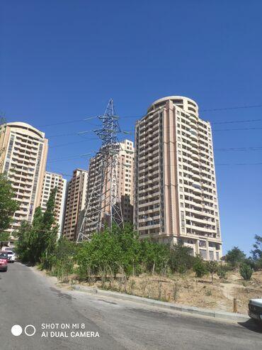 - Azərbaycan: Mənzil satılır: 2 otaqlı, 74 kv. m