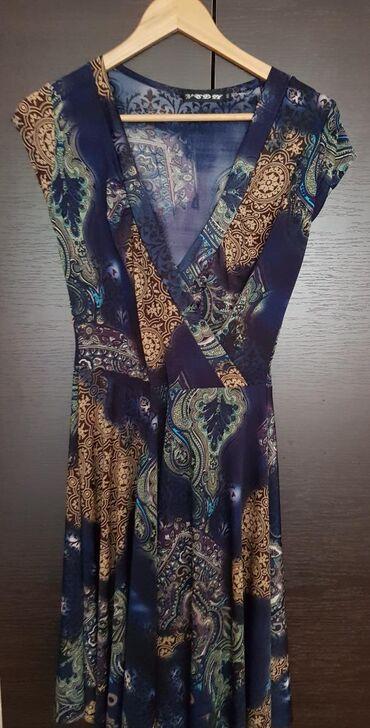 Haljine | Negotin: Lagana haljina vel M/L, struk 35cm, grudi 38cm. duzina 101cm