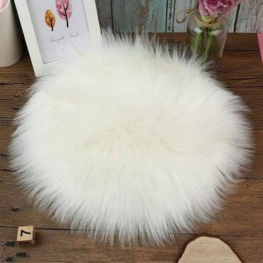 Krzneni jastuk za stolice precnik 35 cm cena ; 1399 din