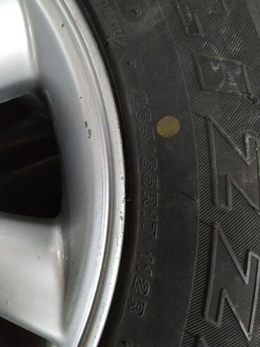 Продаю 265/65R17 зимнюю резину на дисках на Lexus GX470. Состояние