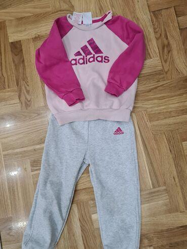 Dečija odeća i obuća - Nova Pazova: Adidas trenerka za devojcicu,velicina 2/3 godine