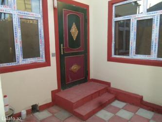 Bakı şəhərində Bineqedi qesebesinin merkezinde yeni temirden cixmiw heyet evi