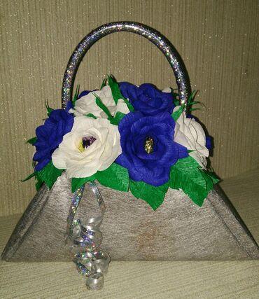 Букет из роз с конфетами Трюфель оригинальныи́ АВК 16штук. Высота