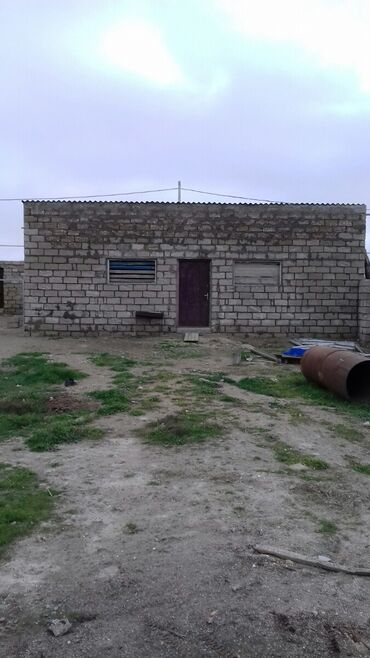 Сдам в аренду - Азербайджан: Pirsaqida 6 sotun icinde tikilmis 120 kv ferma arendaya verirem su yem