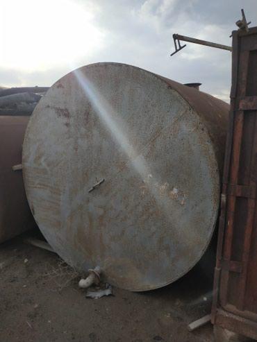 Xırdalan şəhərində 25 , 30 tonluq dəmir çənlər 4 ədəd var. Hər birin 3000 azn-ə