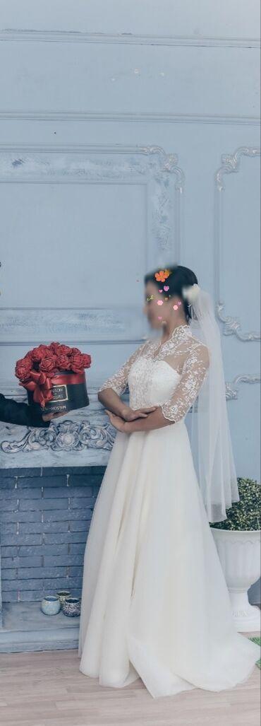 Свадебные платья и аксессуары - Кыргызстан: Продается свадебное платье, очень нежное и скромное. Сшито на заказ