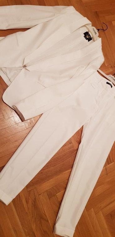 Komplet sako i pantalone, velicina S.. Bela boja.. - Pozega