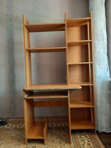 шоп тур в ташкент из бишкека в Кыргызстан: Компьютерный стол с удобными полками. Имеется подставка под