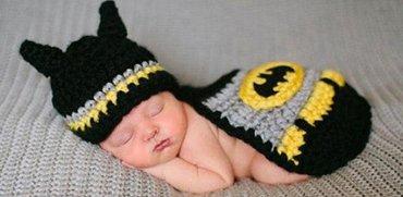 Вязаные накидки для новорожденных. в продаже batman, superman, minion. в Бишкек