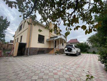 сдаю дом токмок в Кыргызстан: 277 кв. м 10 комнат, Гараж, Утепленный, Бронированные двери