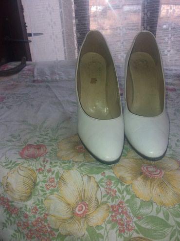 Zenske cipele br 38 stikla je 9cm - Ruski Krstur