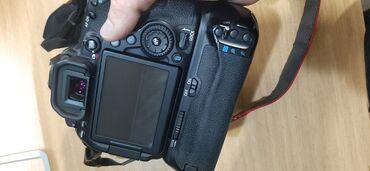 Canon 80d +50mm stm əla vəziyyətdədir yenidən seçilmir probeq 25k olar