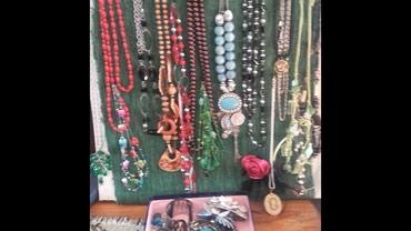 Prelepe ogrlice....                                       300 din po - Loznica