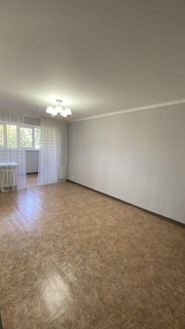 �������������� ���������������� �� �������������� 104 ���������� в Кыргызстан: 104 серия, 3 комнаты, 64 кв. м Бронированные двери, Неугловая квартира
