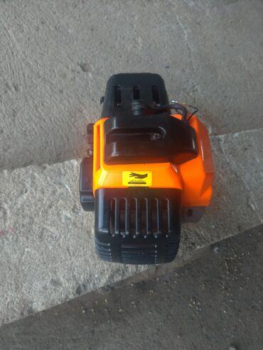 Motor trimera DemonMoze lično preuzimanje kod mene kući, kao i slanje