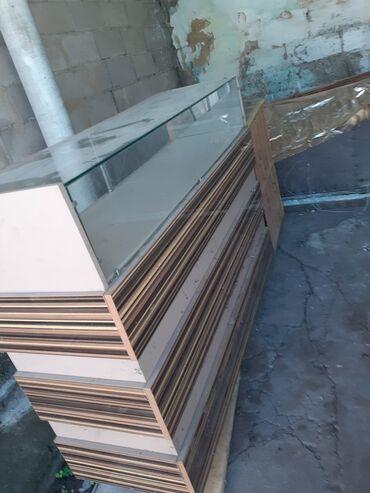 Оборудование для бизнеса в Лебединовка: Продаю витрину для магазина .В отличном состоянии