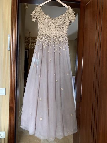 Платье от дизайнера Наиля Байкучукрва надевали лишь один раз на