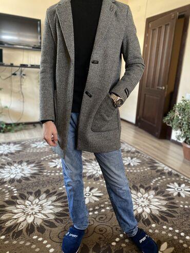 Продаю пальто размер 46 подойдёт до 60 кг Цена 1500 сом окончательно