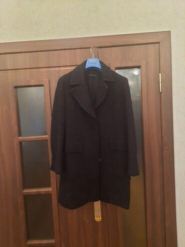 Satılır original Zara markasinin L ölçülü qara paltosu. Çox az
