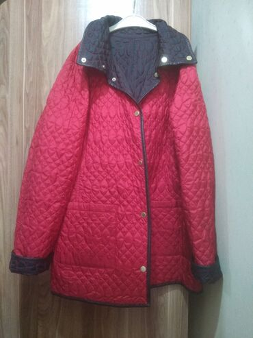 Двусторонняя куртка стёганая, мало одёваная, как новая. İkitərəfli göd