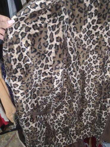 Zenska kapa - Srbija: Zenski kompleti,kostimi jakne,mantili kaputi i bunde