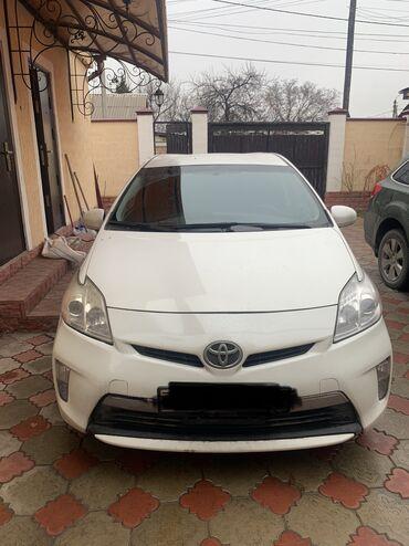 Toyota Prius 1.8 л. 2015 | 110000 км