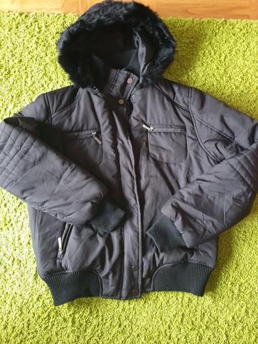 Zimska jakna vel. M, kapuljaca se skida. Bez ikakvih oštećenja i - Crvenka