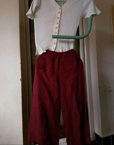 Ženska odeća | Subotica: Majica:Veličina SCena 300 dinKratke pantalone:Veličina MCena 400 din