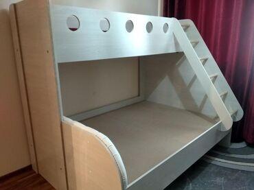 Мебель - Беловодское: Продаю новую двухъярустную большую кровать